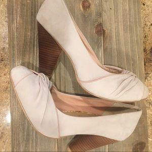 Seychelles grey/pink twist toe heels size 8